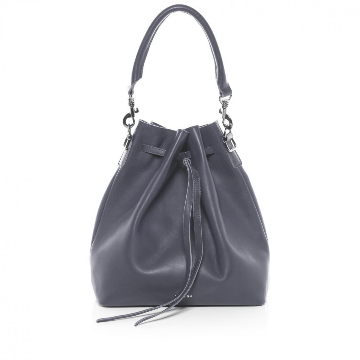 Blautöne Farbpalette: Welche Tasche Passt Zu Deinem Typ?